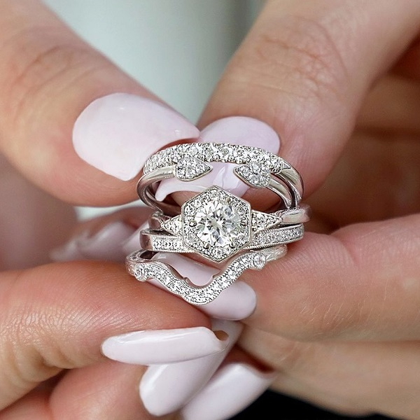 Top 3 Benefits Of Designing Your Own Engagement Ring Latest Jewelry Blog Posts Trends News Hudson Poole Fine Jewelers