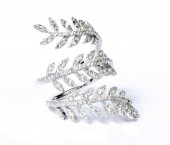 18K White Gold 0.98 CTW Leaf Wrap Ring